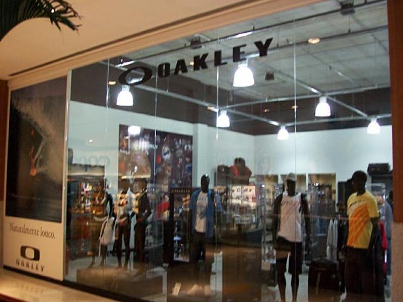 fb845b1ba3598 Oakley inaugura loja - Outras OndasSURFBAHIA