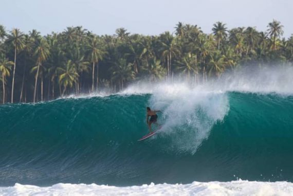 Deslizando em Nias